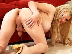Blonde ladyboy Jesse shows tugging her cock