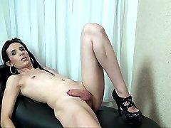 Hung and horny tgirl Allicia Nogueira
