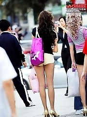 Cameraman hunting hot shorts girls