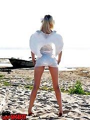 Blonde angel in sexy upskirt pics