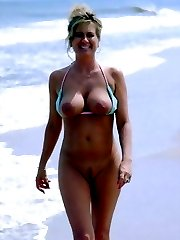 Naked On The Beach! Gallery #37