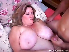 Beautiful mature BBW loves to drill