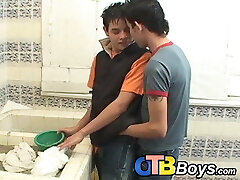 Latino twinks pounding raw in the bathroom before money-shot