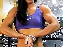 Asian Chick Bodybuilder Hulking Out