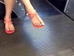 Candid Japanese Feet and Gams on the Bus