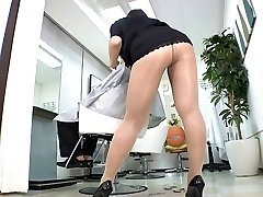 Reiko Nakamori Magnificent Barber In Pantyhose