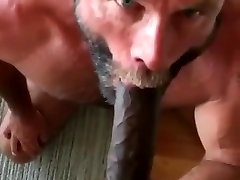 bearded daddie suck black cock