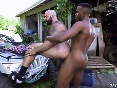 Hairy Ebony Outdoor gay