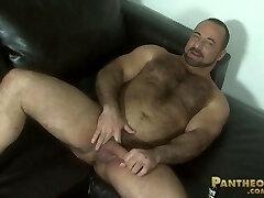 Muscle Hairy Man Rocky LaBarre po pv