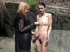 Damsel Aurora and Slavegirl Suzi