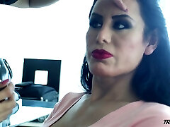 Horny transsexual slut Lorey Richi exposes her really sexy big bubble ass