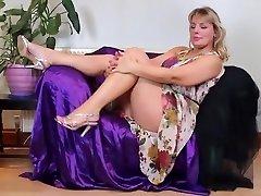 Mature Danielle 43 years elder