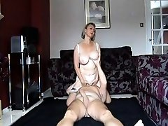 Busty mature inexperienced gives a great oral