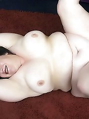 BBW Matalla on her knees and spreading her enormous butt to let a hunk enter her pussy from behind