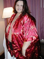 Brunette Supersized SSBBW babe in panties and nude