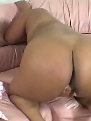 Ebony Fat Chick Posing and Bend Over to Expose Fat Pussy