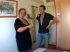 French mature Carole analfucked in pantyhose