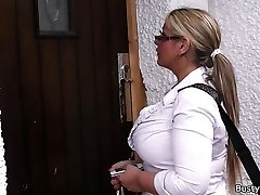 Working blonde bbw in stockings stretches legs