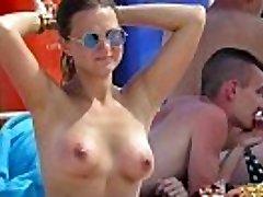 Wild Topless Amateurs Mummies - Hot Voyeur Beach Video