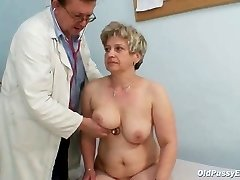 Mature fat coochie Ruzena gyno plug bizzare clinic exam