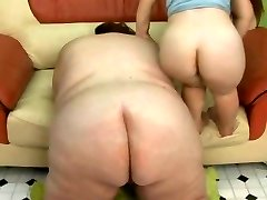 Lucky Guy Humps the SSBBW and The MIDGThreeT