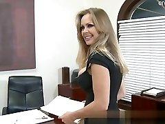 Big ass wife cum in facehole