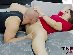 Madisin Lee in Mommy's Stinking Pussy