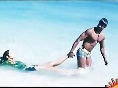 Bollywoods Ragini Dwivedi hot for Vijays Big Andhra Ebony Cobra