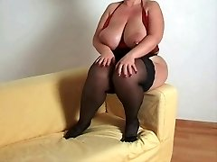 Breasty bbw mother i'd like to pound in nylons