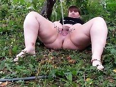 Hairy BBW pissing part 1