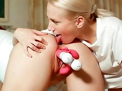 Sweet pussy licking Sex Toys Injection