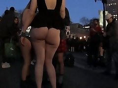 Girl shows her big booty 2
