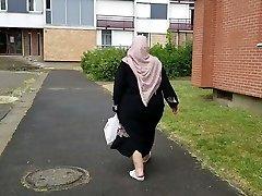 Plumper black arabic hijab