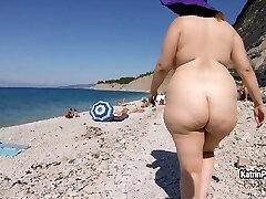 Katrin Porto - Bare Beach Walk