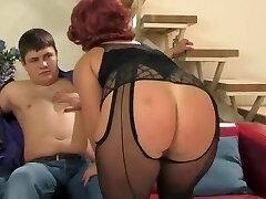 Mature coochie seduces chubby boy