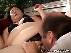 Plumper Grannie Gets Her Fat Pussy Stuffed