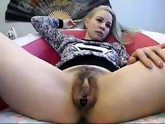 big love button webcam girl 2