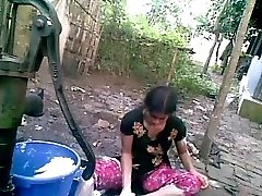 Bangla desi shameless village pal-Nupur bathing outdoor