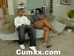 Chunky ass ebony making out with massager and