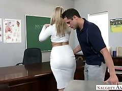 Utterly handsome big racked blonde tutor was fucked right on the table