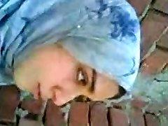 arab nymph kissing boyfriend