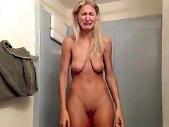 Bitch with saggy bosoms has massive breakdown on livecam