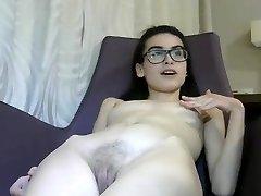 Lil 18 yr Italian Cam Girl Masturbates-1
