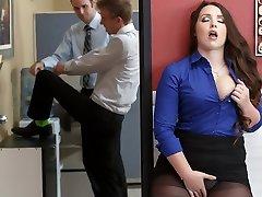 Lola Foxx & Danny D in Boss Executive Mega-slut - Brazzers