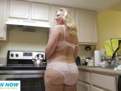 monstrous butt young thick chubby blonde phat ass white girl whooty