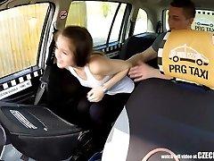 Cutest Teenie Gets a Free Taxi Ride