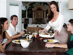 Kendra Fervor & Jordi El Nino Polla in Kendras Thanksgiving Sticking - Brazzers
