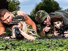 Lexi Lowe & Stella Cox & Freddy Fox & Marc Rose in Rough Fuckin Beotches - Brazzers