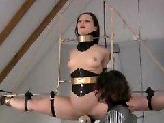 Extreme bondage on air