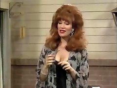Christina Applegate and Her Juggling Tits!